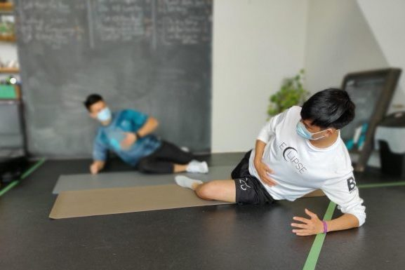 Vancouver Physiotherapist Sam Nguyen at Lift Clinic