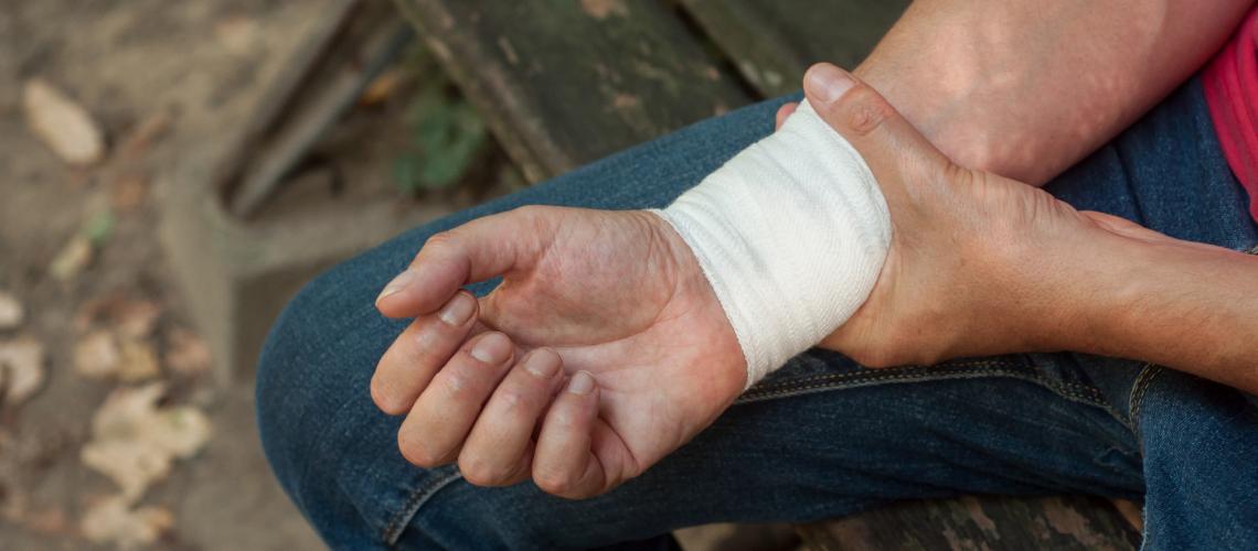 FCC wrist pain injury. TFCC (or Triangular Fibrocartilage Complex)